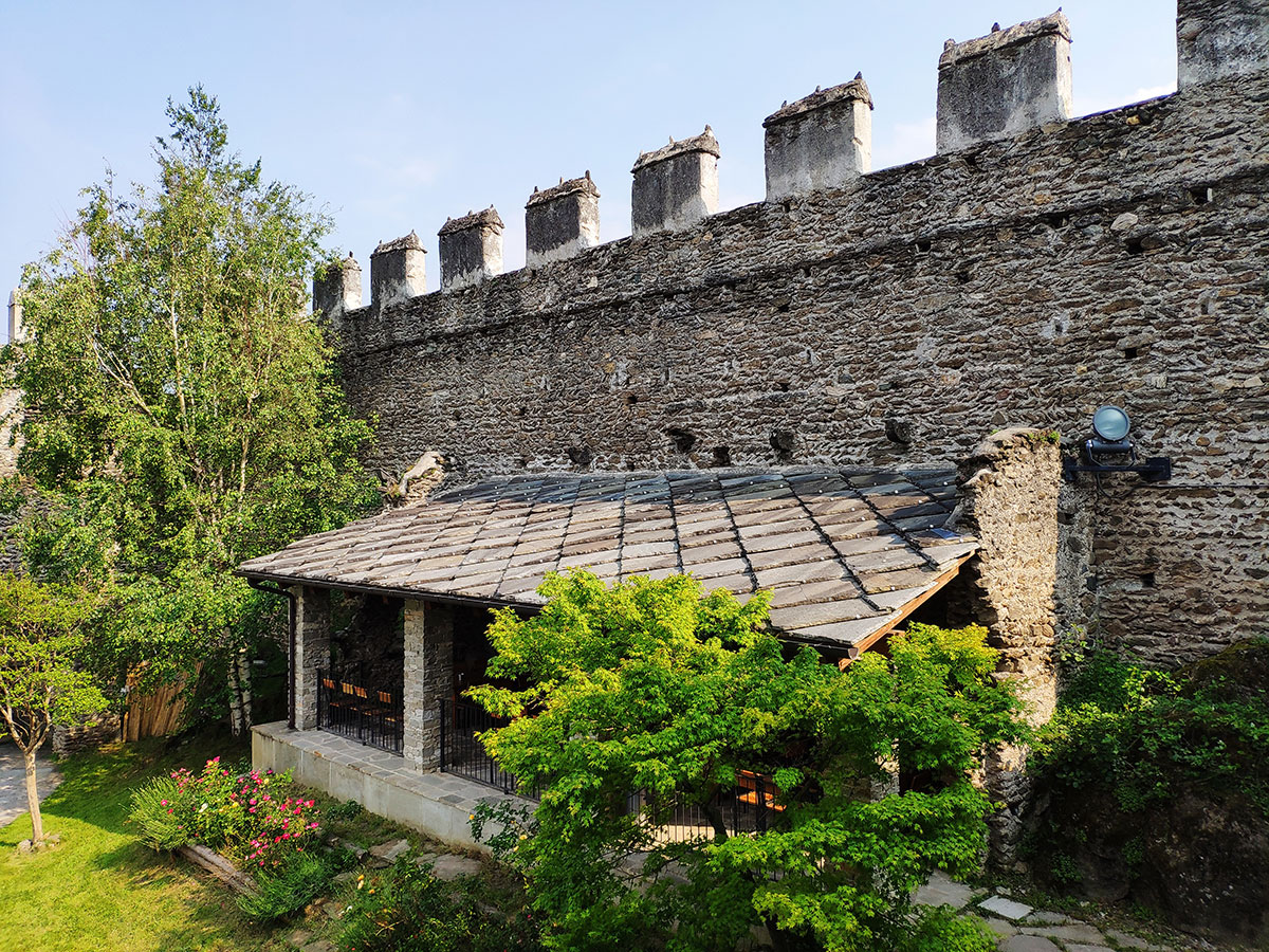 https://www.feudosangiorio.it/wp-content/uploads/2019/07/dehor-castello-ristopub.jpg